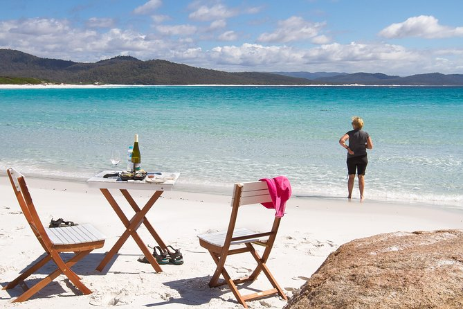4x4 and Lunch Full Day Freycinet and Wineglass Bay - ACT Tourism