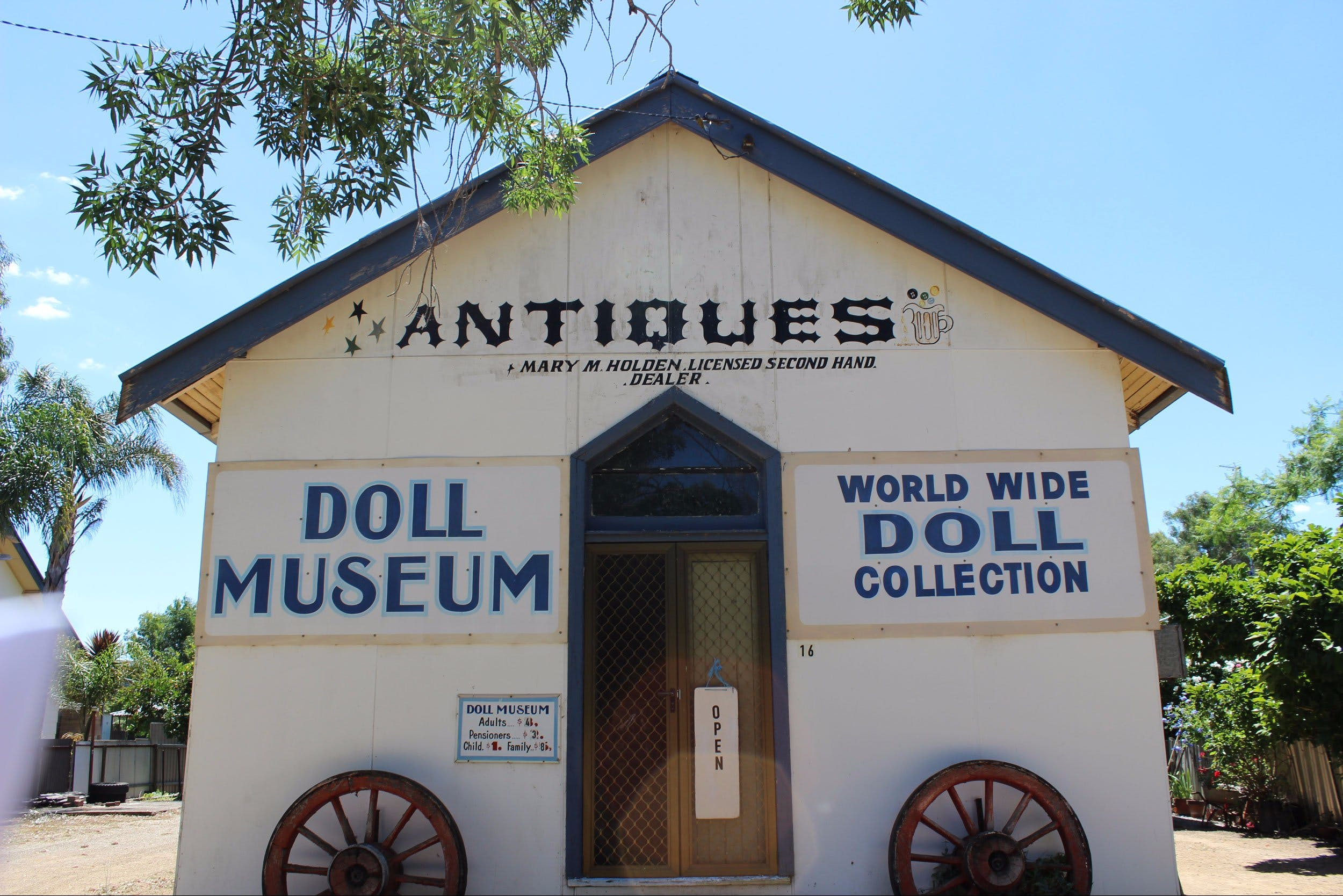 Gerogery Doll Museum - ACT Tourism