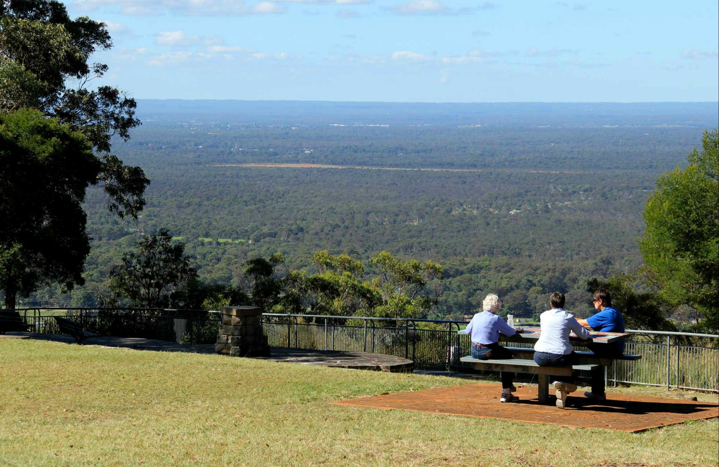 Hawkesbury Lookout - ACT Tourism