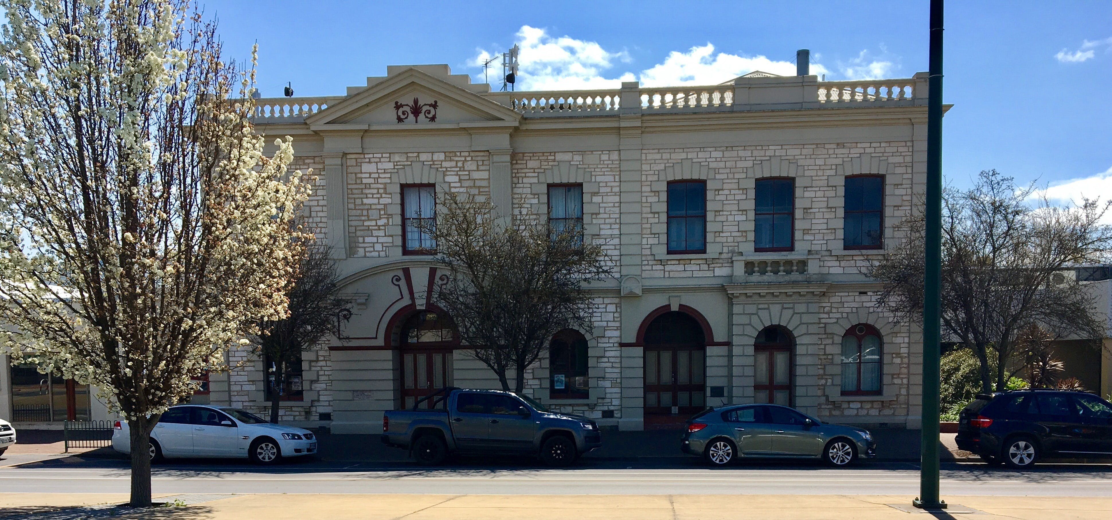 Naracoorte Town Hall - ACT Tourism
