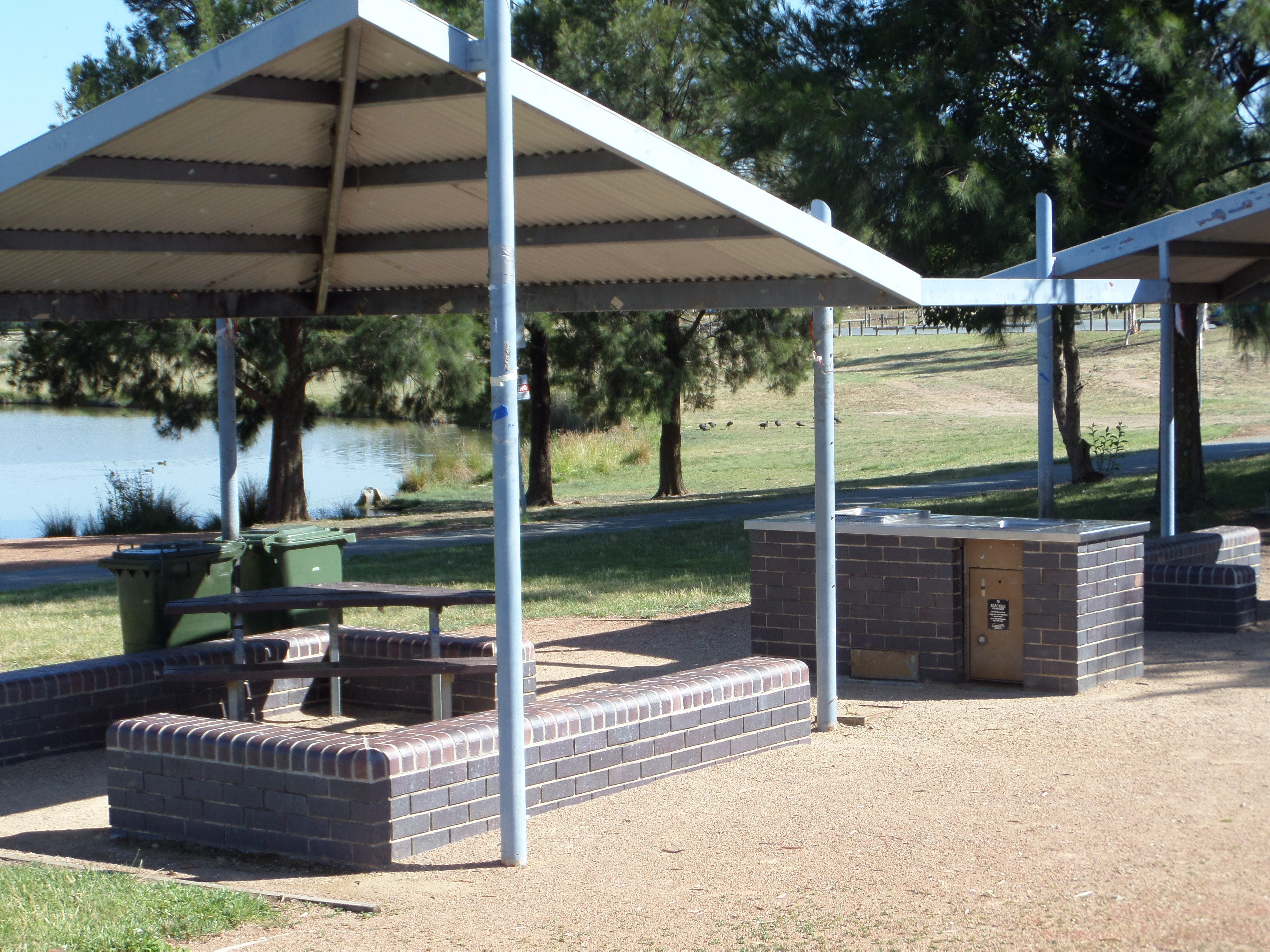 Point Hut Pond Park - ACT Tourism