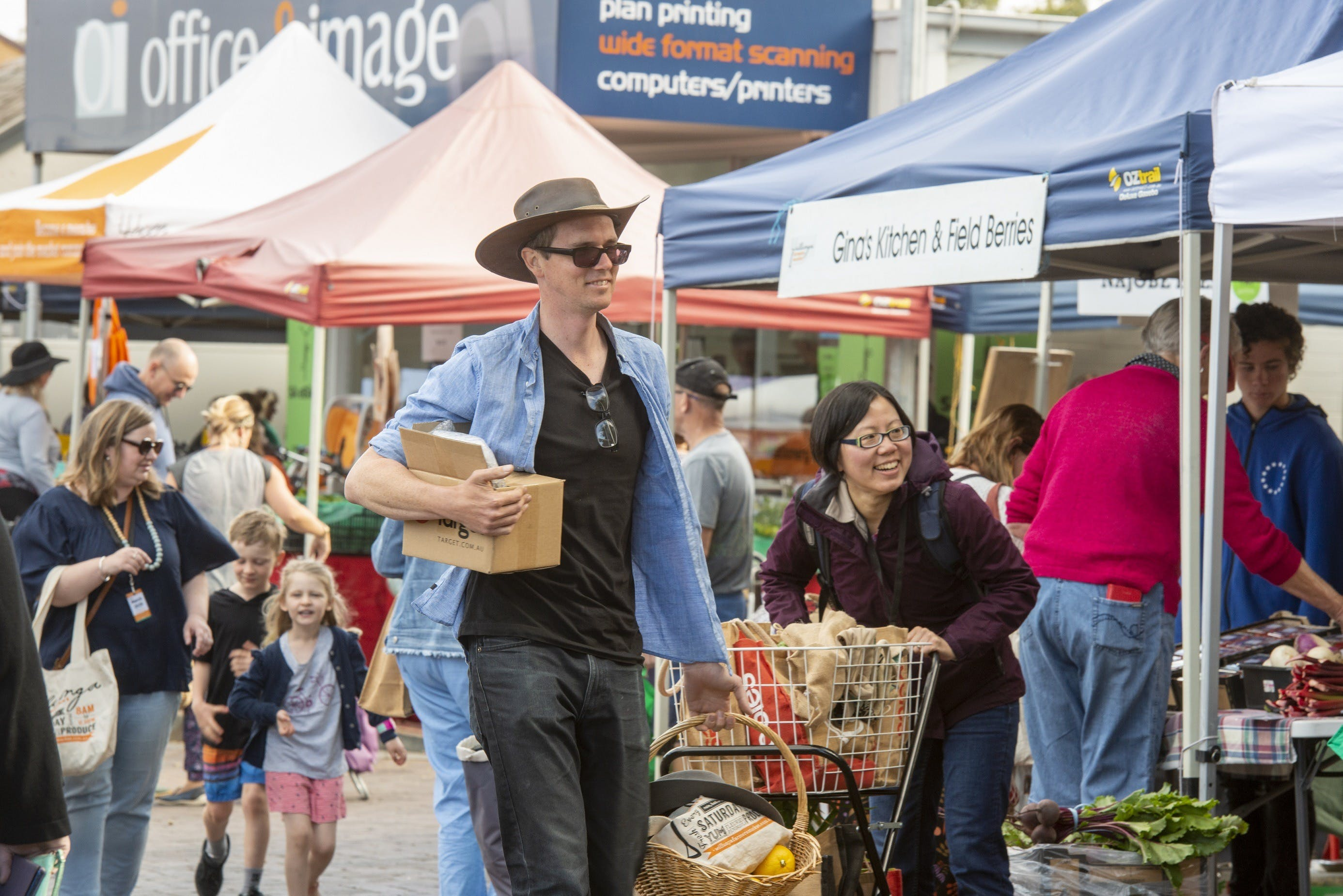 Willunga Farmers Market - ACT Tourism