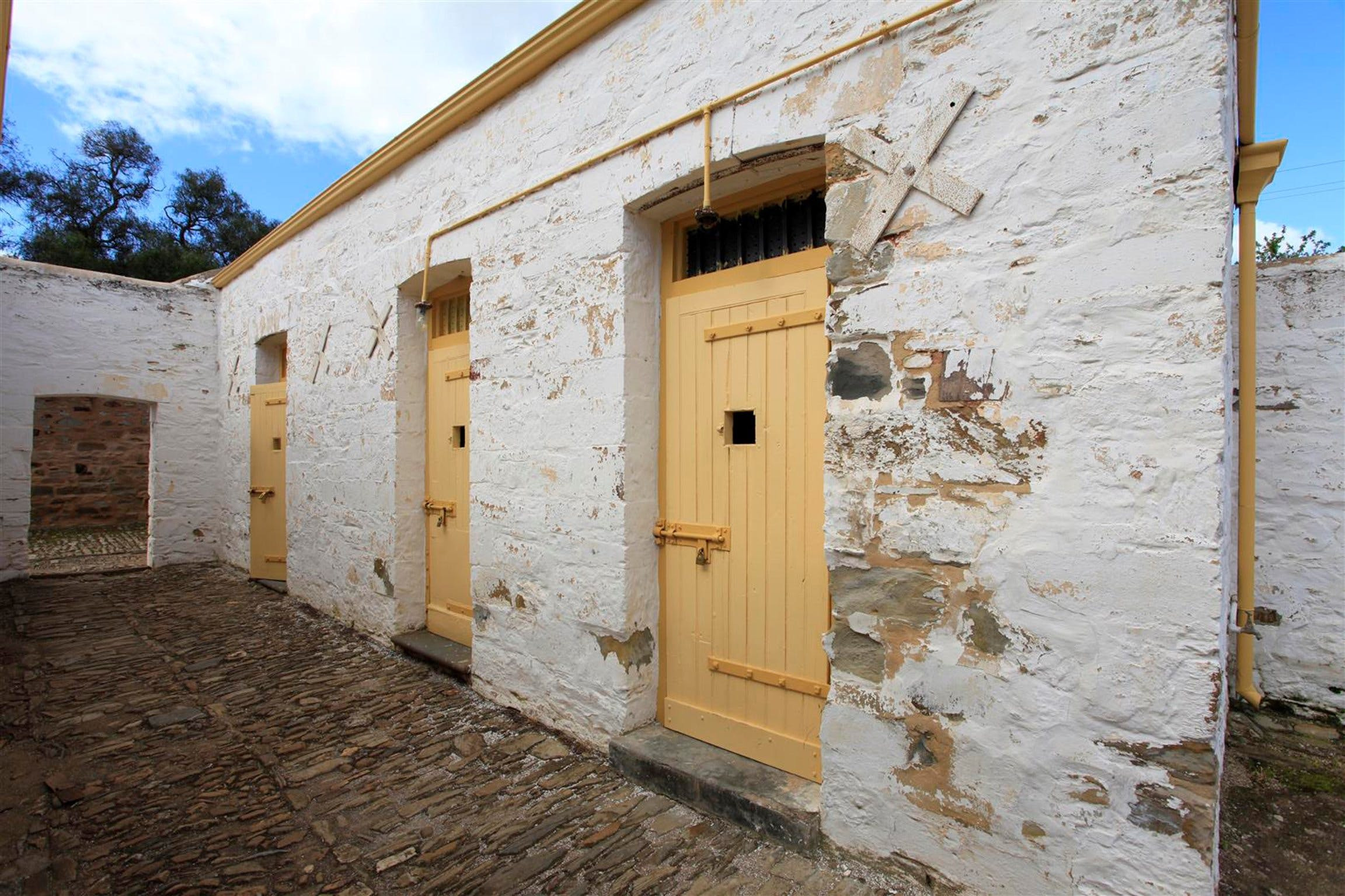 Police Lockup And Stables - ACT Tourism