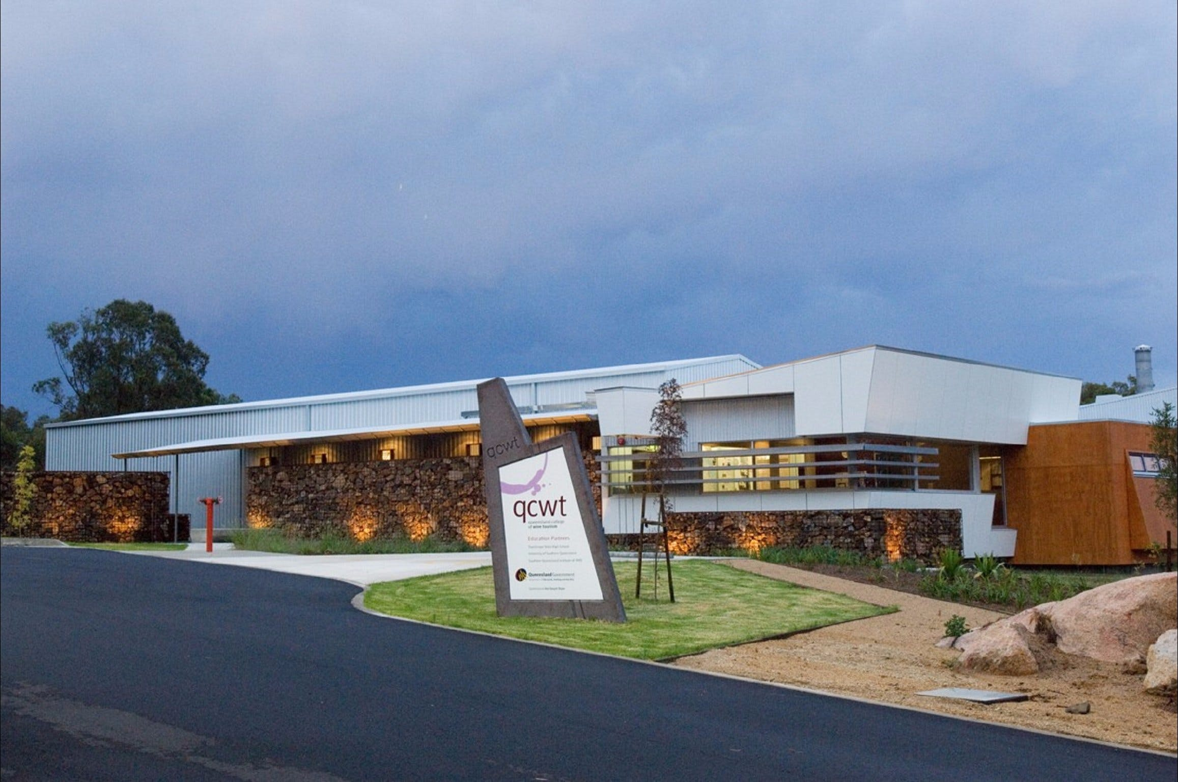 Varias Restaurant and Function Centre at the Queensland College of Wine Tourism - ACT Tourism