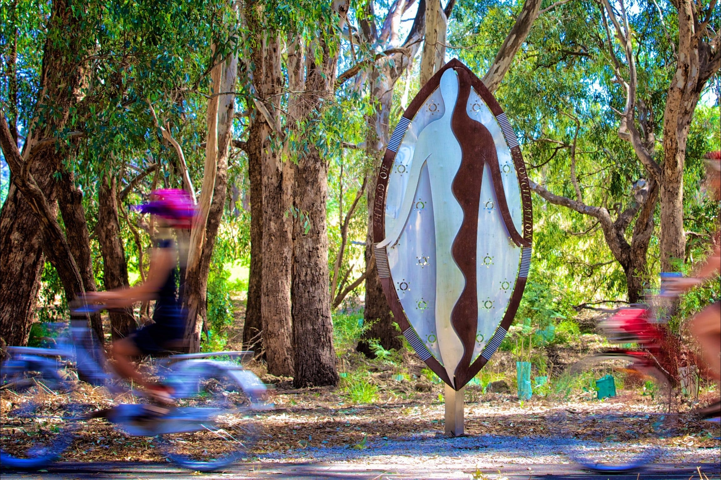 Wagirra Trail and Yindyamarra Sculpture Walk - ACT Tourism