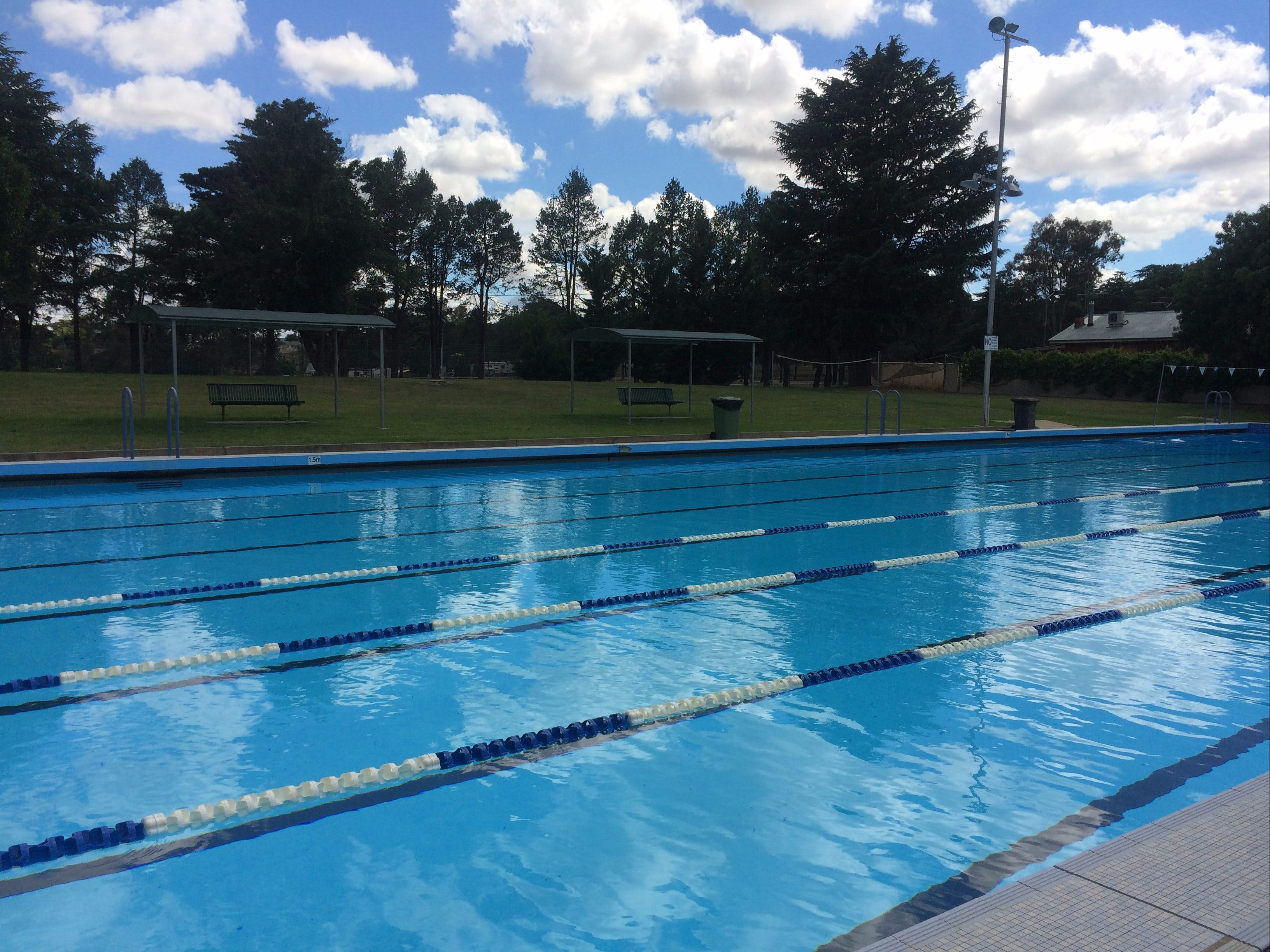 Binalong Memorial Swimming Pool - ACT Tourism