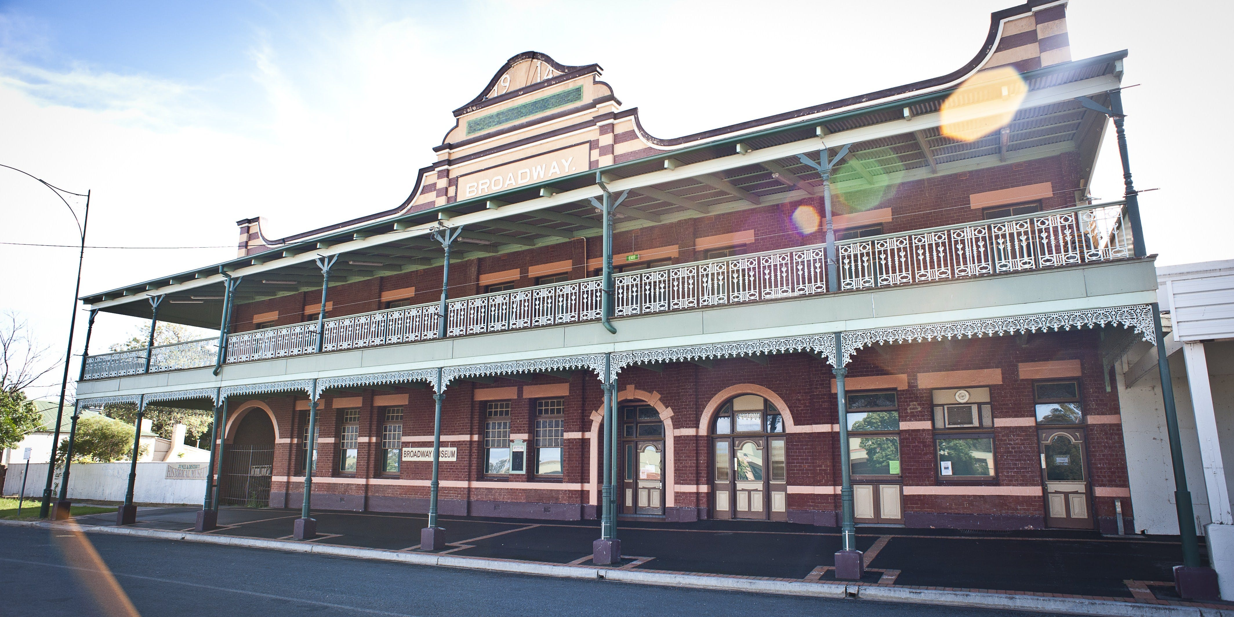 Junee - ACT Tourism