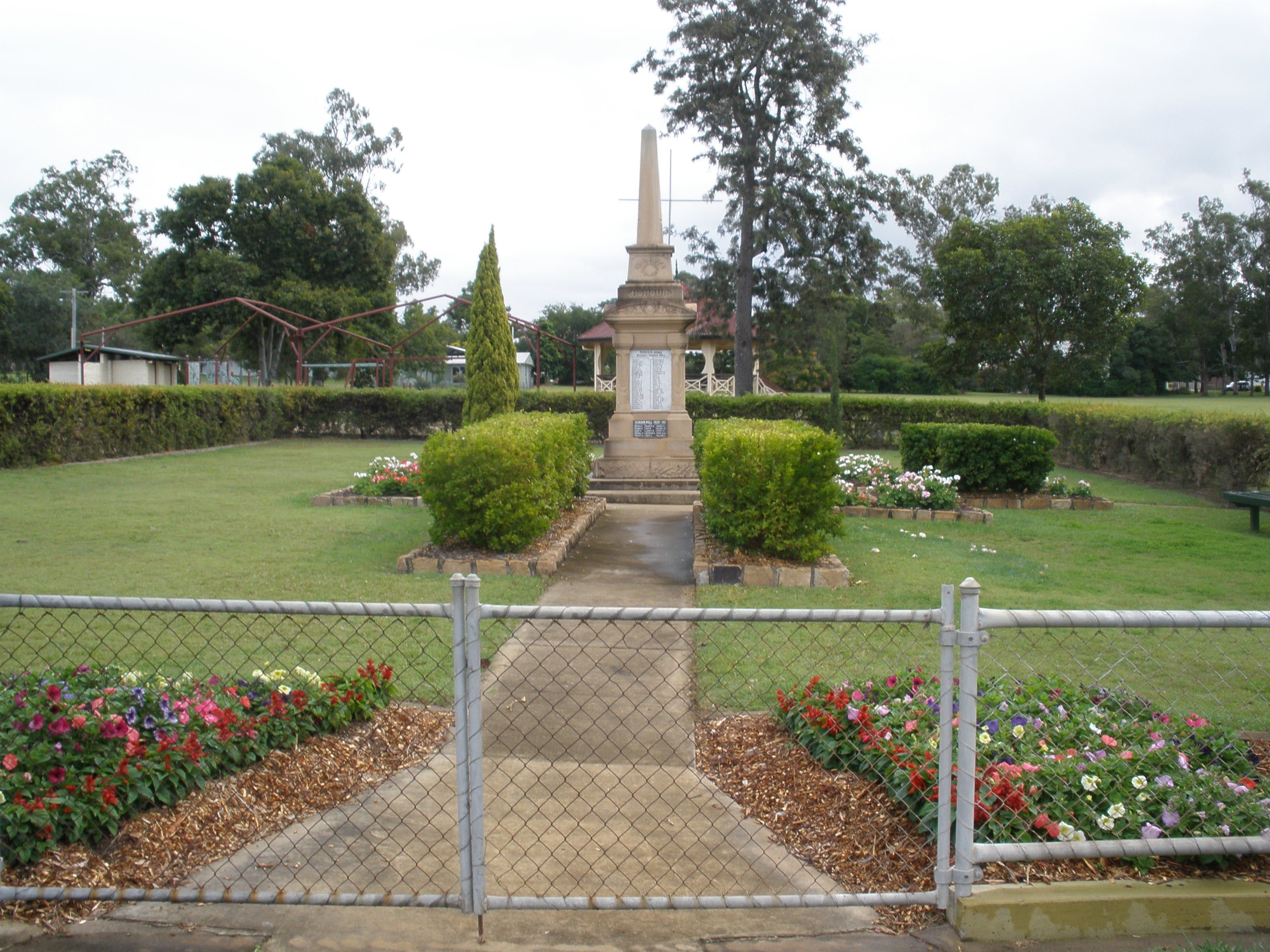 McConnell Park and Toogoolawah War Memorial - ACT Tourism