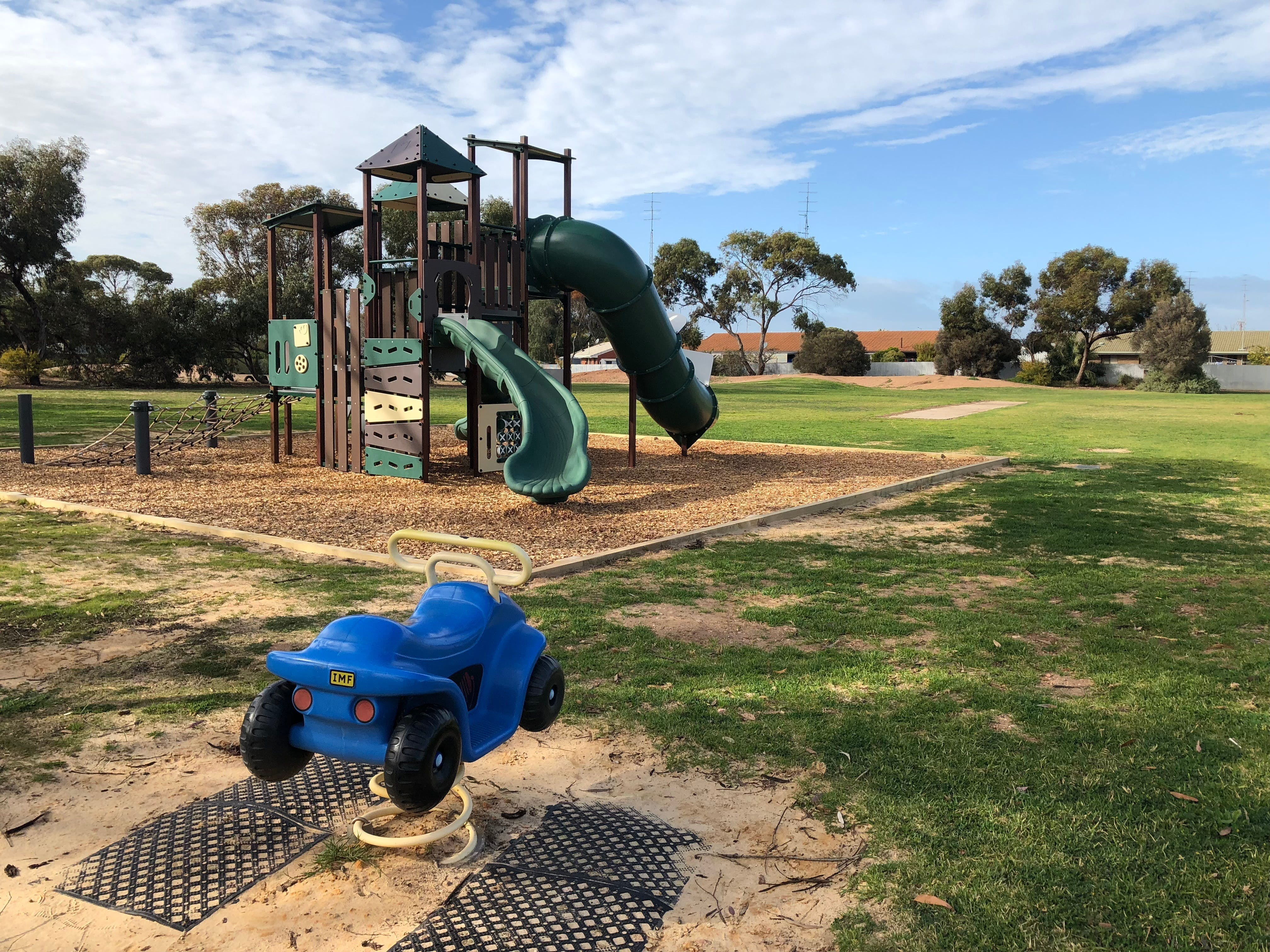 New Town Playground - ACT Tourism