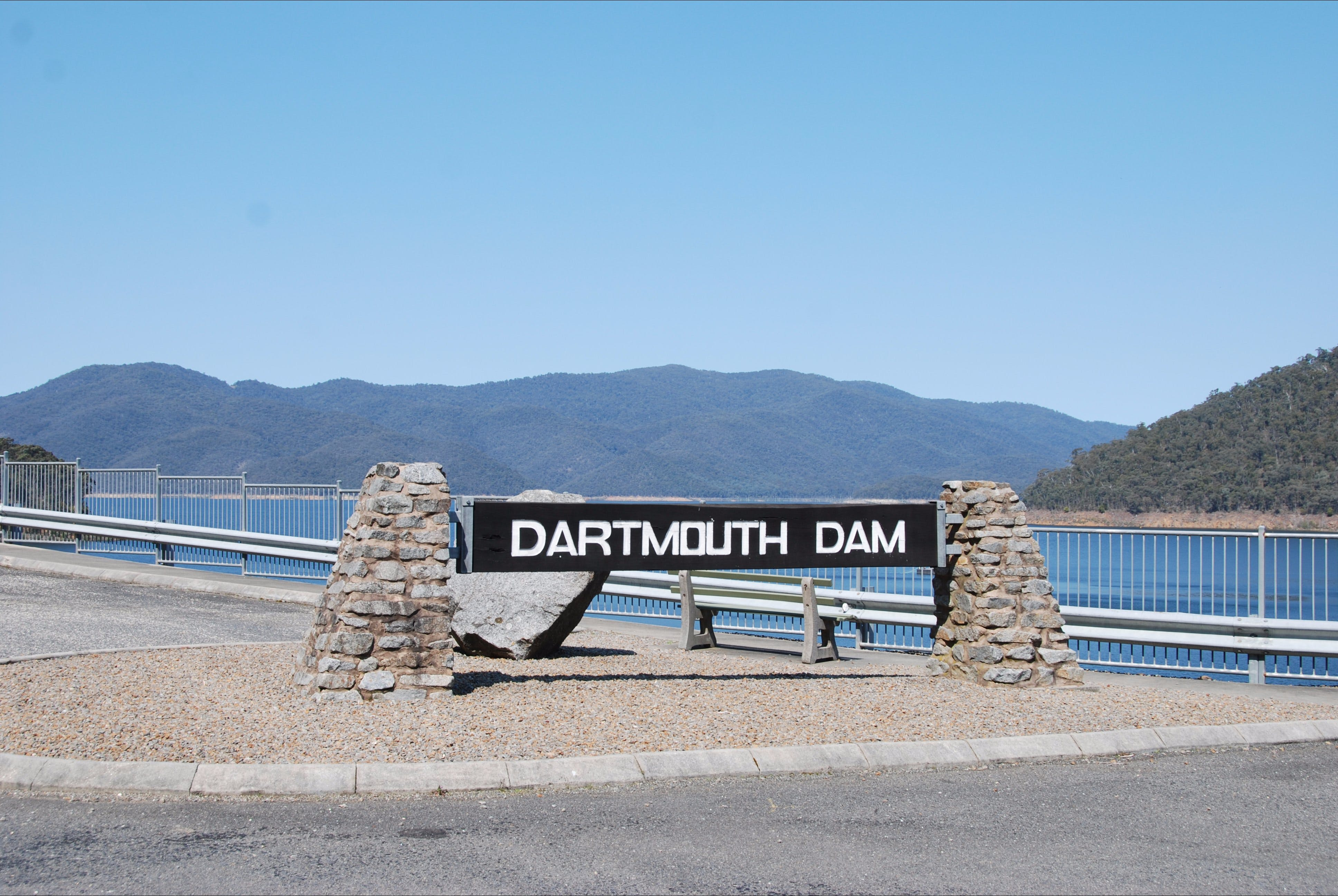 Dartmouth Dam Wall Picnic Area - ACT Tourism