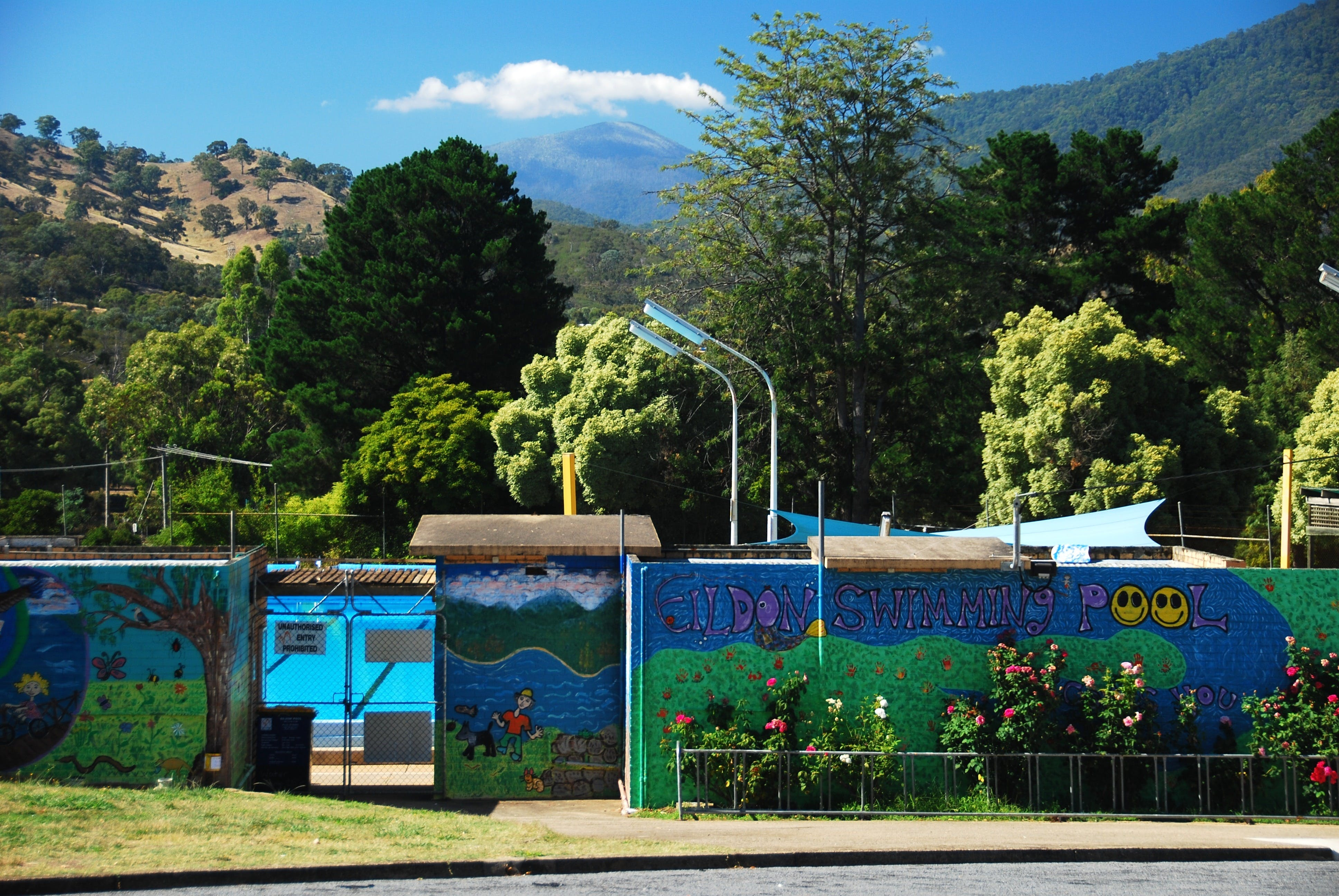 Eildon Outdoor Swimming Pool - ACT Tourism