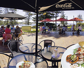 The Beach and Bush Gallery and Cafe - ACT Tourism