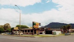 Cabbage Tree Hotel - ACT Tourism