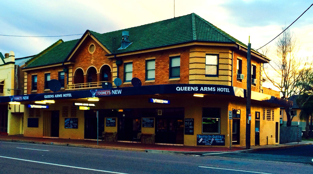 Queens Arms Hotel - ACT Tourism