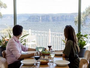 Christmas Day Lunch at The Lookout Echo Point - ACT Tourism