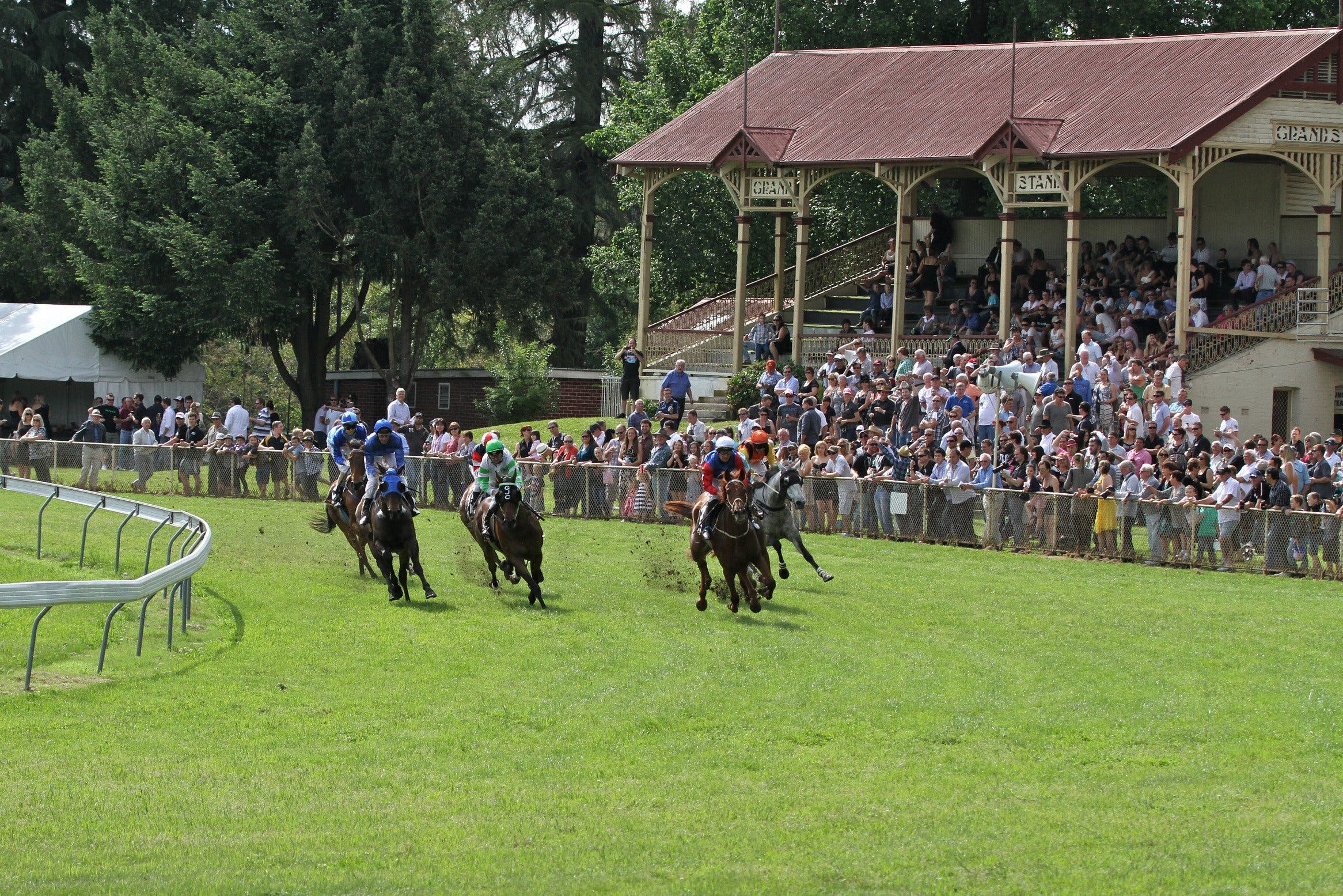 Tumut Derby Day - ACT Tourism