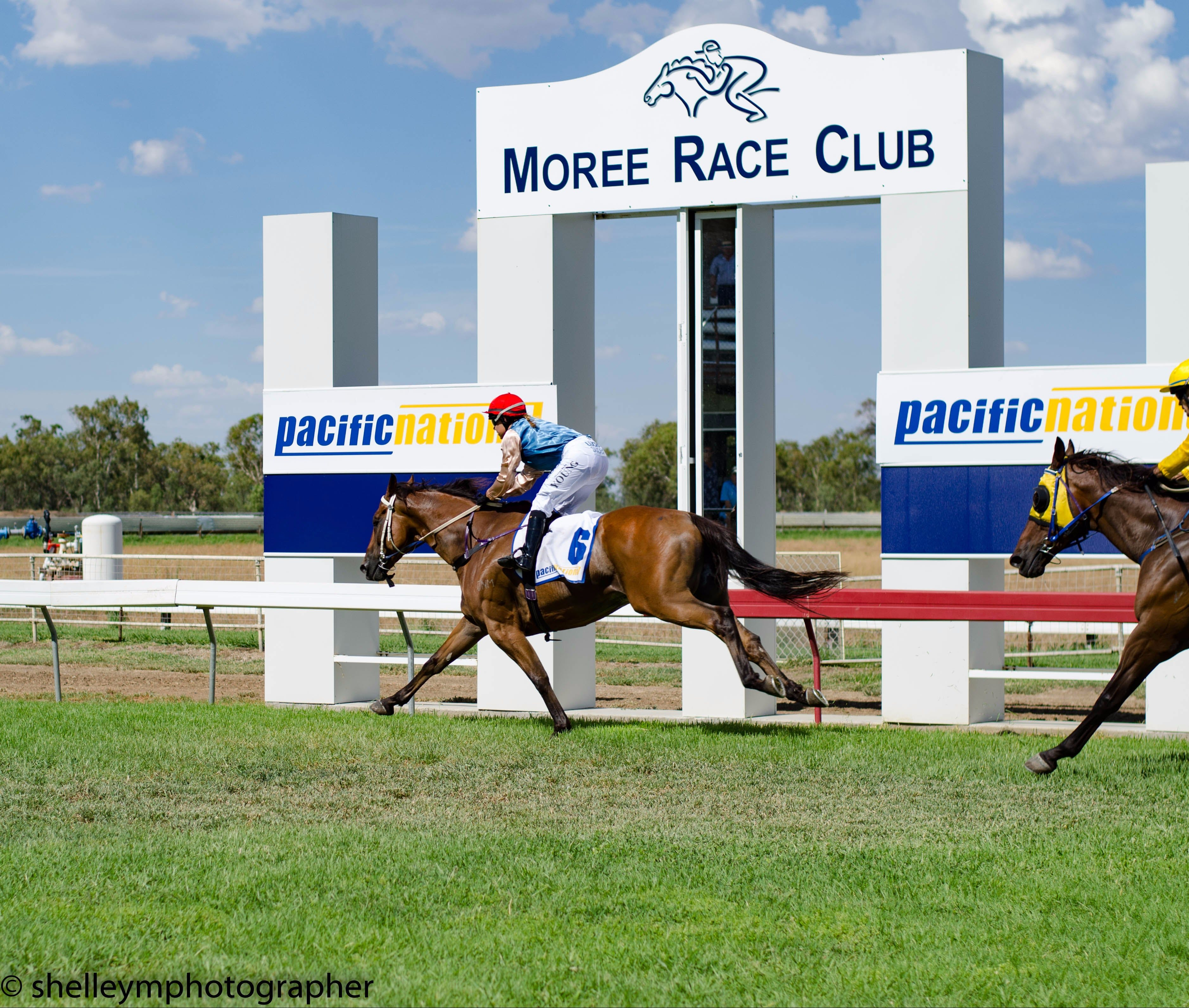 Moree Race Club TAB Race Day - ACT Tourism