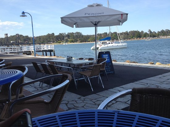 Sam's Pizzeria on the waterfront - ACT Tourism