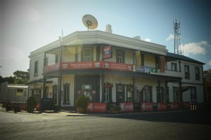 Commercial Hotel Morgan - ACT Tourism