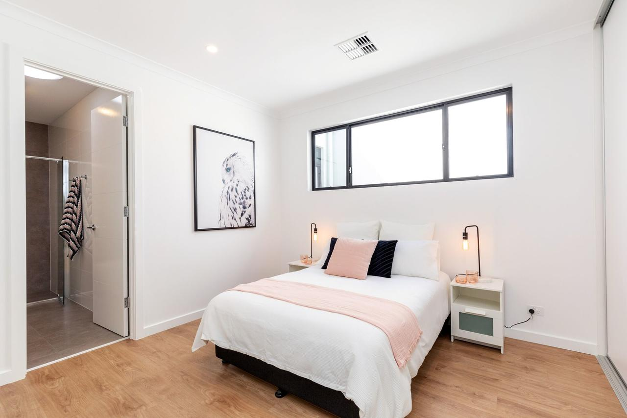 Brand new affordable luxury 3 bedroom 3 bathrooms house close to Adelaide city Chinatown beach Adelaide Airport - ACT Tourism