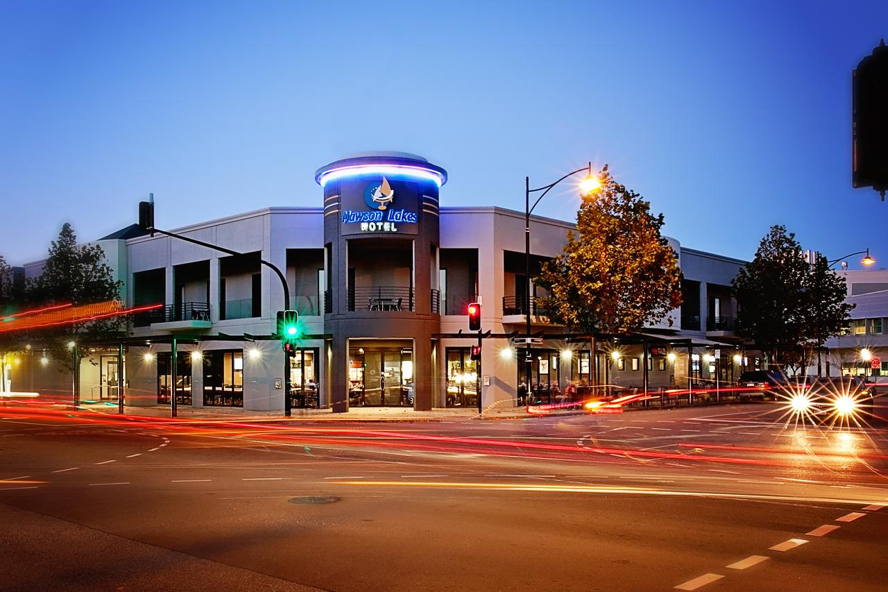 Mawson Lakes Hotel - ACT Tourism