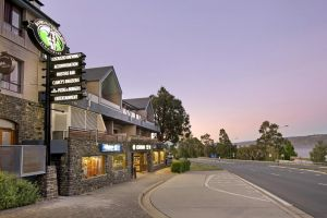 Banjo Paterson Inn - ACT Tourism