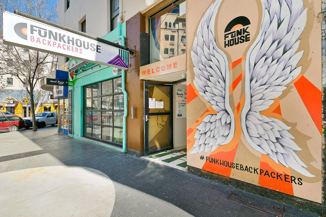 Funk House Backpackers - ACT Tourism