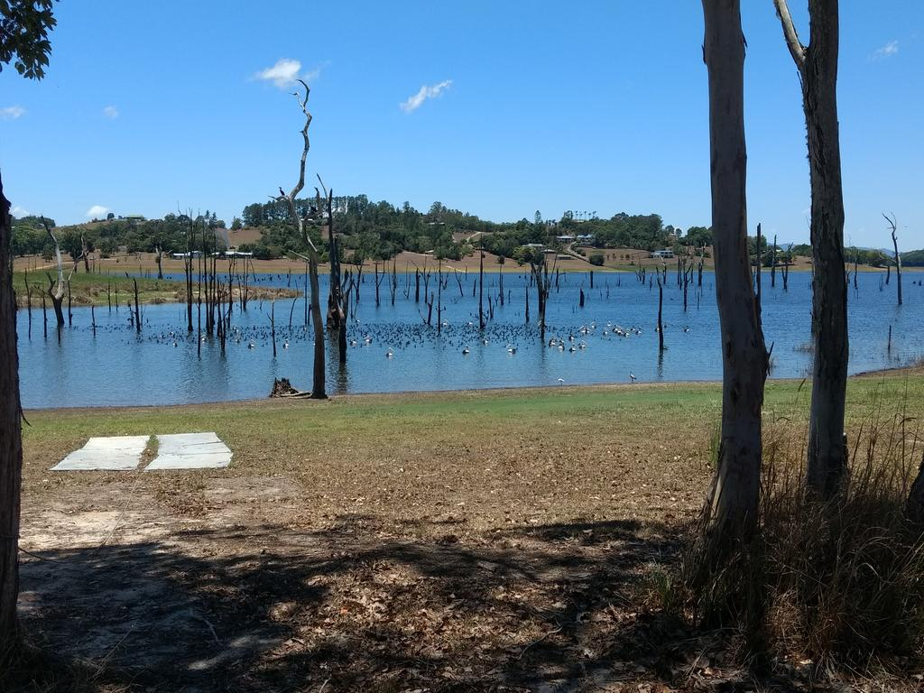 Lake Tinaroo Waterfrontage - ACT Tourism