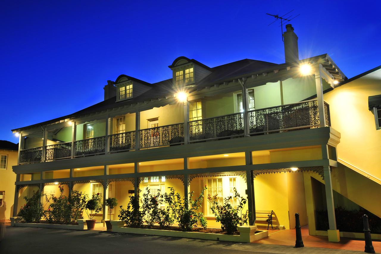 Clifton Motel  Grittleton Lodge - ACT Tourism