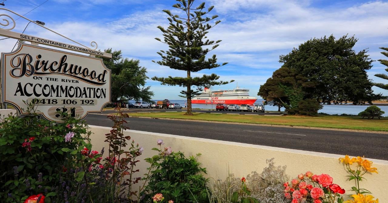 Birchwood Devonport self-contained self catering accommodation - ACT Tourism