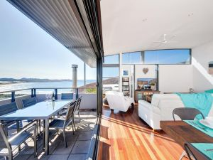One Mile Cl Townhouse 22 26 The Deckhouse - ACT Tourism