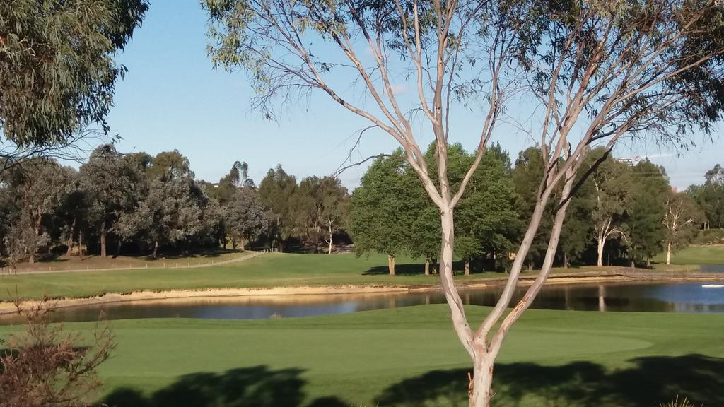 Sweet Home by the Golf Course - ACT Tourism