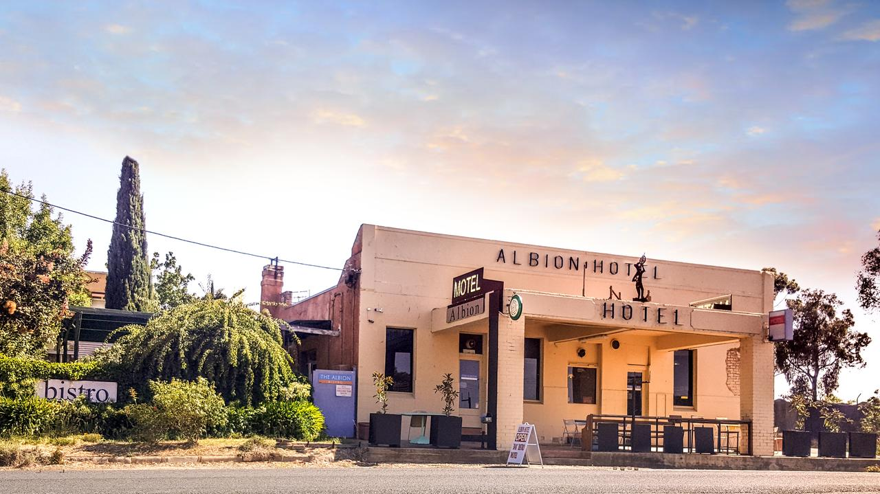 Albion Hotel and Motel Castlemaine - ACT Tourism