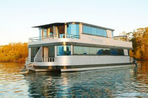 Coomera Houseboats - ACT Tourism