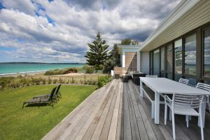 Azure Absolute Beachfront - Pet Friendly - ACT Tourism